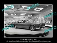 OLD LARGE HISTORIC PHOTO, NEW YORK MOTOR SHOW 1969 LINCOLN CONTINENTIAL DISPLAY