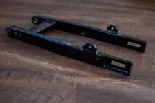 Simson Kastenschwinge in schwarz gepulvert für S51/S70 Neu mit Polyamid Buchsen