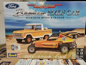 REVELL 85-7228 BRONCO HALF CAB WITH TRAILER AND DUNE BUGGY MODEL KIT