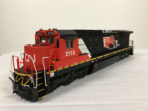 Atlas Silver series HO Scale Dash8_40C Canadian National (15th anniversary) 2115