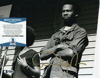 ANGELA DAVIS SIGNED AUTOGRAPH 8x10 PHOTO CIVIL RIGHTS ACTIVIST D BECKETT BAS COA