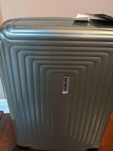 "Samsonite NeoPulse 20"" Spinner Carry on , Lightweight 4.9 lbs, TSA Lock"