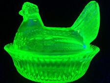 Green Vaseline glass hen chicken on nest basket dish candy uranium / radioactive