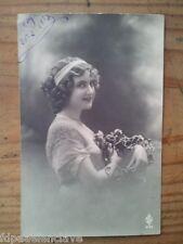 Postal Romantica Retrato Mujer siglo XX Valladolid Blanco Negro Clasica año 1913