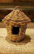 """Handcrafted? 6 1/2"""" Birdhouse Nest Hay Straw Grass Natural Finish Euc"""