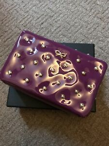 BNWT Anya Hindmarch Studded tassel zip pouch. Patent Leather In Purple