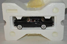 Franklin Mint 1956 Lincoln Continental MII in 1:43 Scale superb mint in box