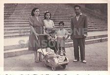 FOTO ANNI '50 BAMBINO DENTRO AD ANTICA CARROZZINA C10-382