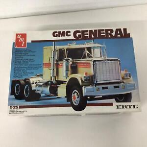 AMT ERTL GMC General 1:25 Scale Model Truck Kit #459