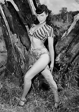 Vintage Photo re-print Wall Art Print of Vintage 1950s Pin-up Bettie Page A4