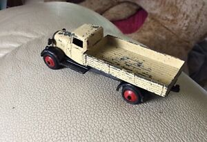 Dinky Toys 25a Bedford Lorry 1945