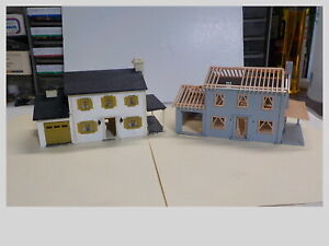 HO Lot Of 2 Built Plasticville 2 Story Colonials 1 Is Under Construction