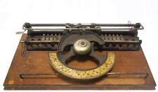Antigua maquina de escribir THE WORLD  Macchina da scrivere TYPEWRITER