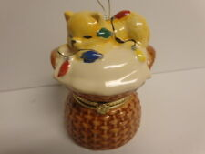 KITTEN ORNAMENT CHRISTMAS MUSIC BOX / open and see cats playing under tree
