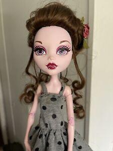 """MONSTER HIGH Mattel 17"""" Draculaura Frightfully Tall DOLL"""