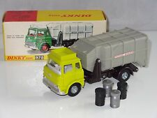 dinky BEDFORD TK REFUSE WAGON - 978 with all 4 dustbins