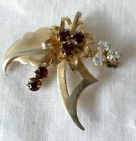 Unusual Vintage 50s Garnet Glass Gold Tone Modernist Pin Pendant Brooch