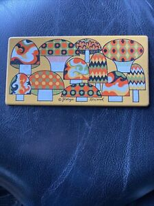 MID-CENTURY GEORGES BRIARD LONG MUSHROOM ENAMEL METAL TILE TRIVET / COASTER