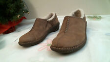 UGG Australia BROWN size 6 LEATHER casual comfortable slip on SHEEP SKIN LINING