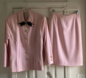 NWT - Fabulous St John Pink Skirt Suit Set Size 14