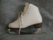 Riedell #121 White Boot Skate Size 6