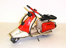 25 0000 23: Schönes Blechmodell eines Lambretta Motorrollers . TOP DEKO MODELL