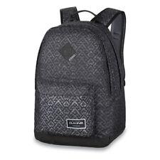 f7f9f272520e1 DaKine Detail 27L Backpack Stacked Rucksack Grau