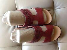 CLARKS Women's RED Leather Sandal Hayla Comfrt Slip-on Dress Casual Shoe size 6M
