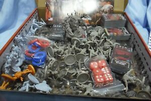 ZOMBICIDE INVADER XENO and Hero Miniatures 74 minis loose LOT 1