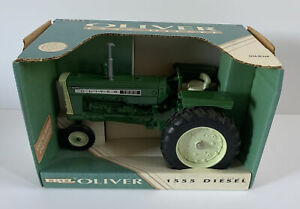 (1993) Ertl Oliver Model 1555 Diesel Toy Tractor, 1/16 Scale, NIB