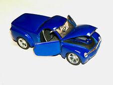 Beautiful 2000 Chevrolet SSR Maisto 1/18 Scale Blue Concept Diecast Car Truck