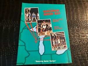 1987-1988 WISCONSIN GREEN BAY - NCAA College Basketball Media Guide - Yearbook