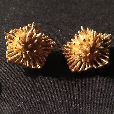 B.S.K Vintage Costume Jewelry Golden Clip Earings