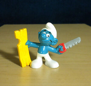 Smurfs Handy Smurf Carpenter 20112 Saw Wood Vintage Figure 1979 PVC Toy Figurine