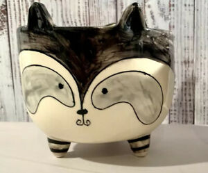 """Kauri Painted Ceramic Raccoon Candy Dish With Painted Swirl Tail, 3 Legs-4.5"""""""