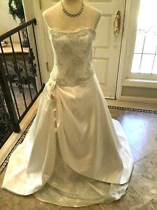DEMETRIOS lace Bridal gown Wedding Dress White / silver lace 10 NEW