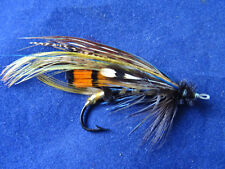 A FINE SIZE 1 (APPROX) EARLY VINTAGE GUT EYED SALMON FLY