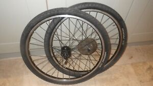 26 inch Bontrager disc  Front & Rear Wheels. Shimano fh-m 475 hubs.