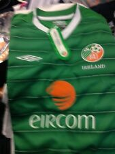 REPUBLIC OR IRELAND SHIRT umbro IN SIZE 30/32 AT £12 BRAND NEW IN PACKET
