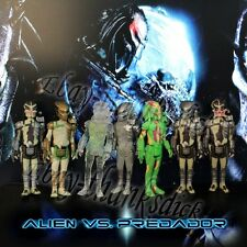 "Genuine Set Of 7pcs Alien vs Predator Alien/ Predator 10cm/4"" PVC Figure Loose"