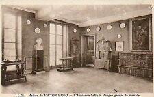 CPA maison de VICTOR HUGO l'ancienne salle a manger garnie de meubles