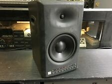 one JBL LSR 4328P Powered Studio Monitor Speaker  //ARMENS