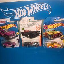 TV SERIES BATMOBILE  HOT WHEELS ID CARS,CHASE CARS,L CASE,PLUS 2 TREASURE HUNT!!
