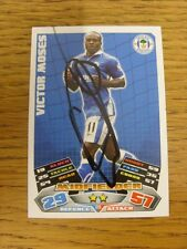 """2011/2012 AUTOGRAFO: Wigan Athletic-Moses, Victor [firmato a mano """"TOPPS MATCH a"""