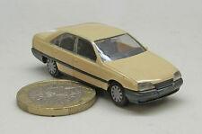 Herpa  2057: Opel Omega GLS  ,  A Limousine,  hellbeige