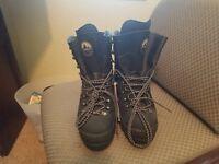La Sportiva Mountaineering Boot Size 42 1/2, Black, GORTEX Waterpoof