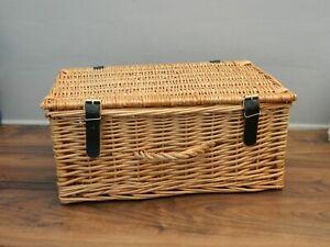 wicker hamper basket with lid
