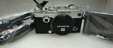Olympus PEN-F 20.3MP Digitalkamera - Silber Gehäuse 2944 Auslösungen