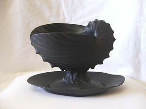 Vintage Wedgwood Black Basalt Nautilus Sea Shell Shape Fruit Bowl & Plate