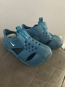 boys nike sandals Size 7 (trainers)